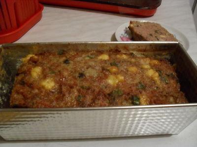 Pieczeń drobiowa z warzywami, pieczarkami i żóltym serem ...