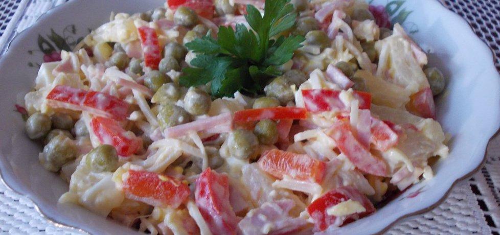 Sałatka z selera, papryki, ananasa i szynki (autor: bernadeta1 ...
