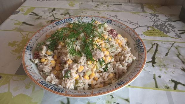 Przepis  sałatka śledziowa z ryżem i koperkiem przepis