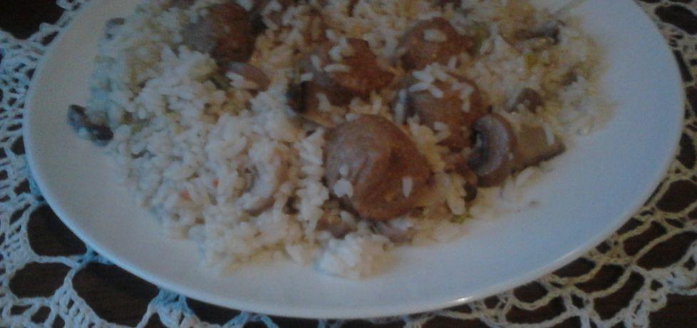 Ryż z pulpecikami i pieczarkami (autor: grazyna13 ...