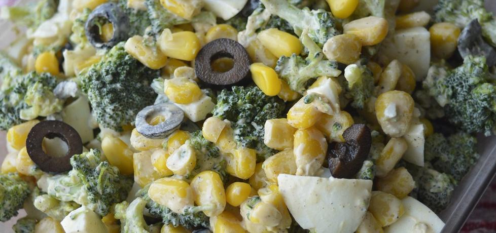 Sałatka z brokułem i czarnymi oliwkami (autor: noninka77 ...