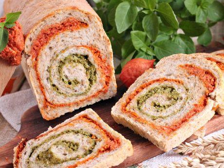 Przepis  rolada chlebowa z pesto pomidorowo