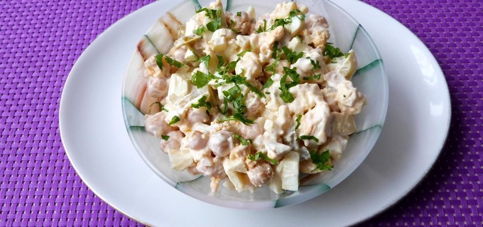 Sałatka z jajek, ciecierzycy i sera (autor: renatazet)