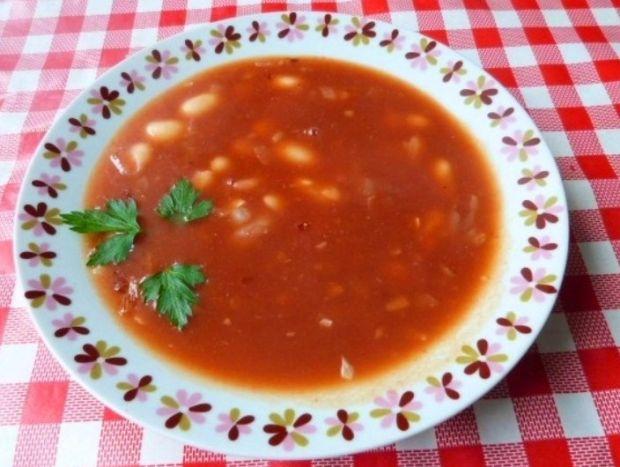 Przepis  zupa paprykowo-pomidorowa z fasolą przepis