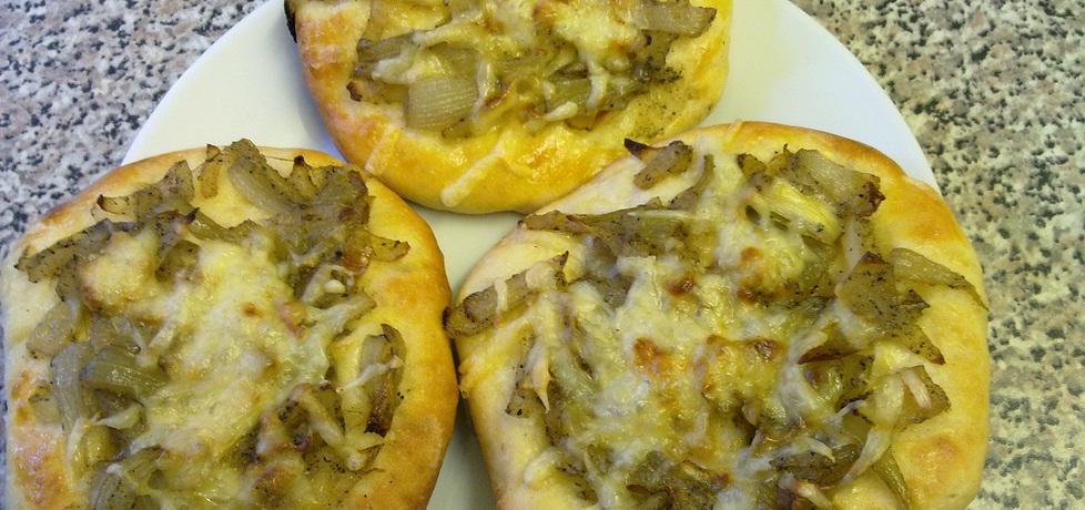 Cebularz z serem żółtym (autor: aneta41)