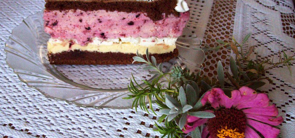 Tort jeżynowy z bezami (autor: agnieszka8725)