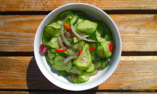 Przepis  sałatka z ogórków w stylu tajskim przepis