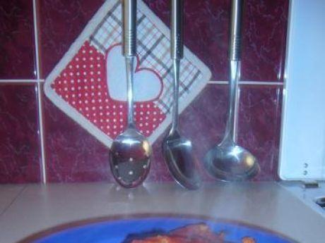 Ryba pieczona w sosie pomidorowym (mintaj)