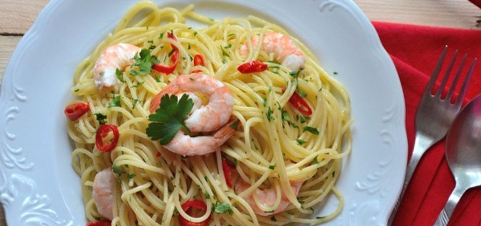 Spaghetti z krewetkami, chili, czosnkiem i pietruszką (autor ...