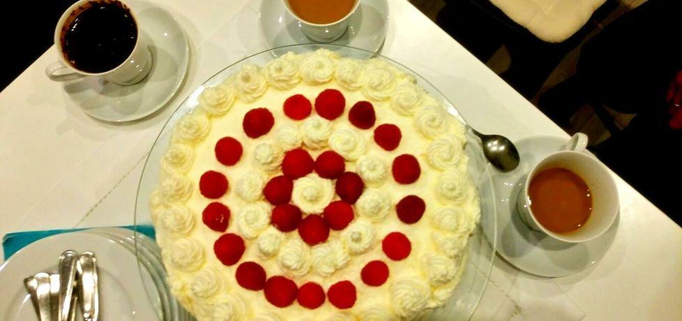 Tort z bitą śmietaną i truskawkami (autor: mniammniama ...