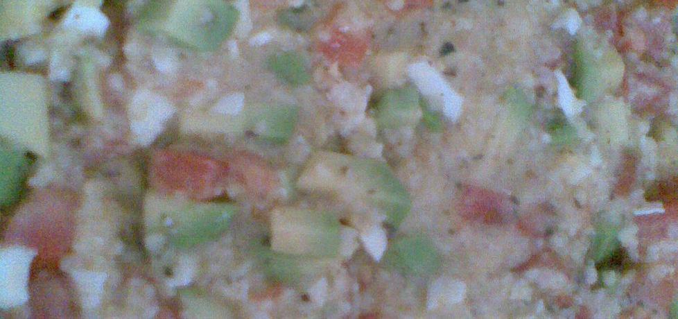 Sałatka z kaszą jaglaną, awokado, czosnkiem i pomidorami (autor ...