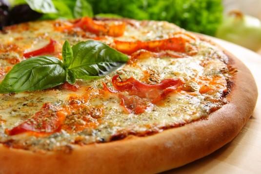 Pizza 4 sery z szynką