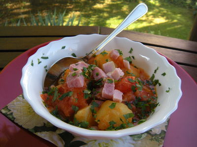 Gulasz ziemniaczany z pomidorami