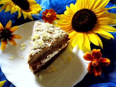 Ciasto czekoladowe z kremem, dżemem i polewą