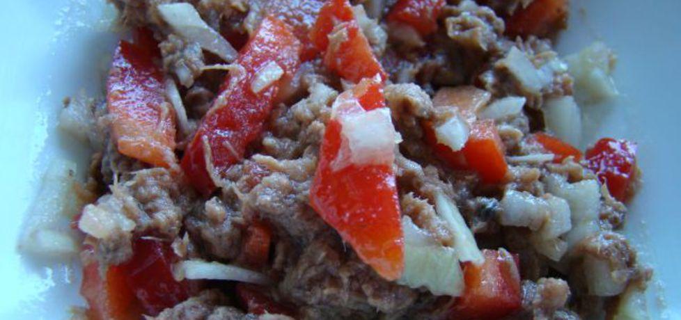 Sałatka z tuńczyka z cebulką (autor: iwa643)