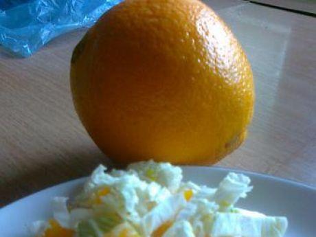 Przepis  sałata pekińska z pomarańczą przepis