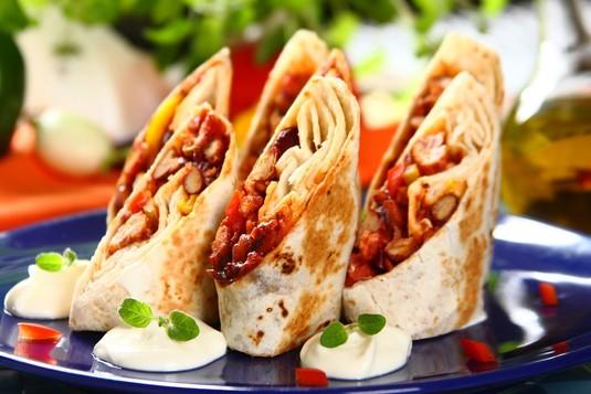 Przepis na burrito z mięsem mielonym  zobacz na przepisy.pl
