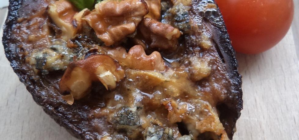 Avokado zapiekane z orzechami włoskimi i gorgonzolą :) (autor ...