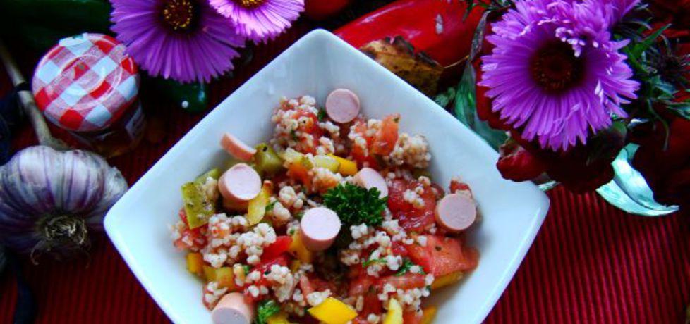 Sałatka z kaszy z warzywami i paróweczką cielecą (autor: iwa643 ...