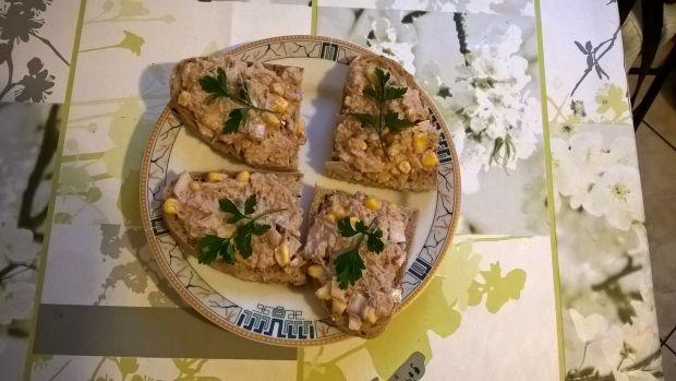 Przepis  pasta z tuńczyka, kukurydzy i cebuli przepis