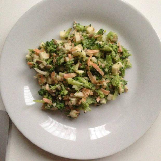 Przepis  sałatka z brokułem przepis