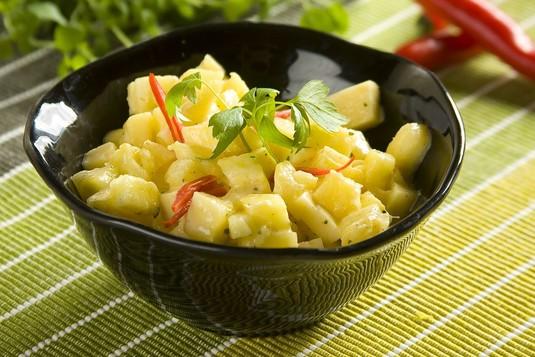 Sałatka z ananasa i żółtego sera