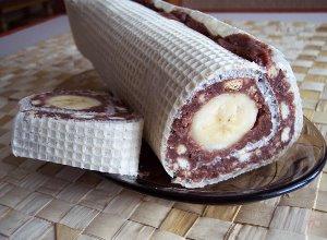 Waflowa rolada z bananem  prosty przepis i składniki