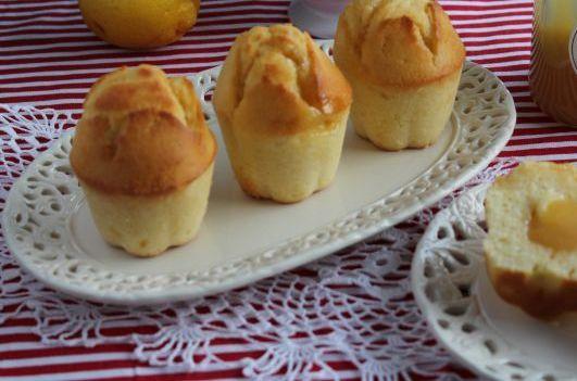 Przepis  cytrynowe muffiny z lemon curd przepis