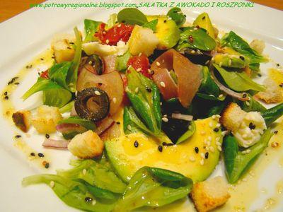 Sałatka z awokado roszponką szynką parmeńską mozzarellą i