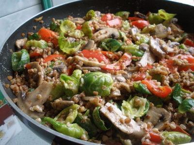 Kremowa kasza gryczana z warzywami
