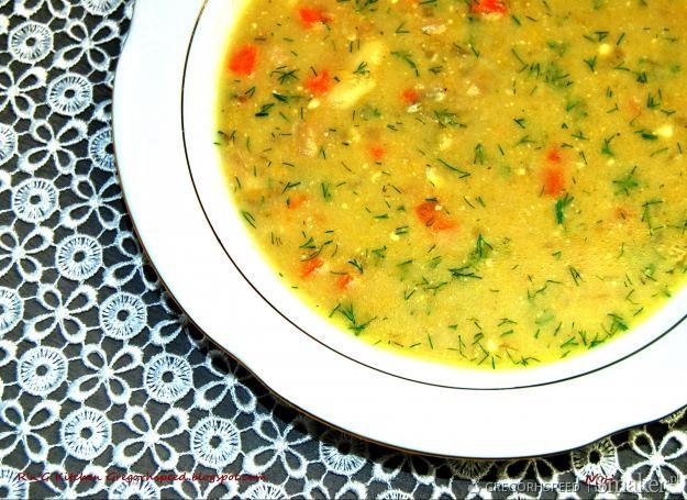 Zupa z brukselki i sera pleśniowego