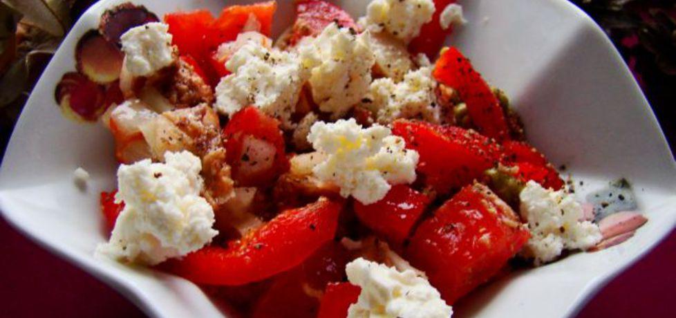 Sałatka pomidorowo-paprykowo