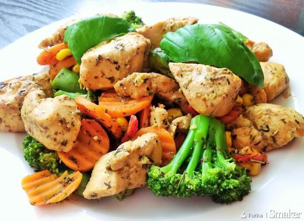 Marynowany kurczak z warzywami