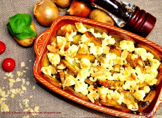 Cebule zapiekane z serem feta