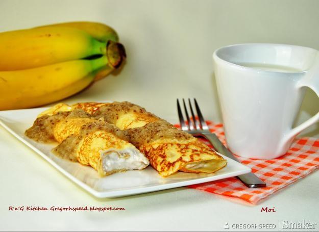 Naleśniki serowo bananowe z sosem pomelo i chia