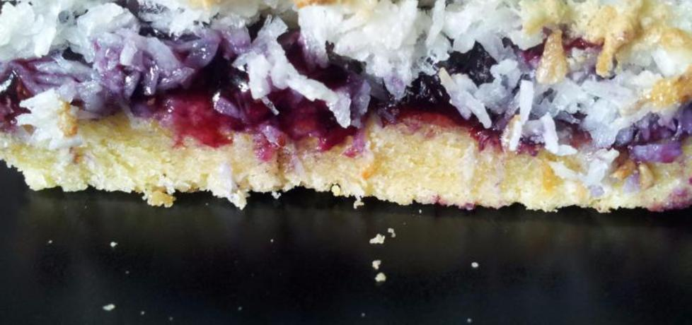 Ciasto z jagodami i masą makaronikową (autor: krokus ...