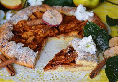 Rustykalna tarta z jabłkiem, imbirem i nutą cynamonu ...