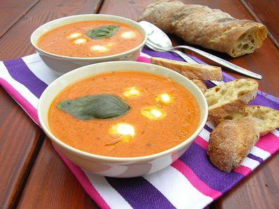 Zupa krem z pieczonych warzyw z mozzarellą i ziołami ...