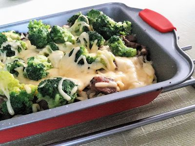 Zapiekanka makaronowa z indykiem i brokułami