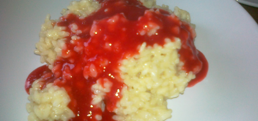 Rice pudding with plum sauce
