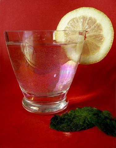 Przepis  orzeźwiający napój cytrynowo-miętowy przepis