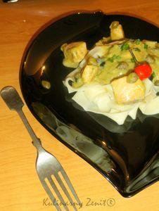 Pappardelle z sosem groszkowym z łososiem