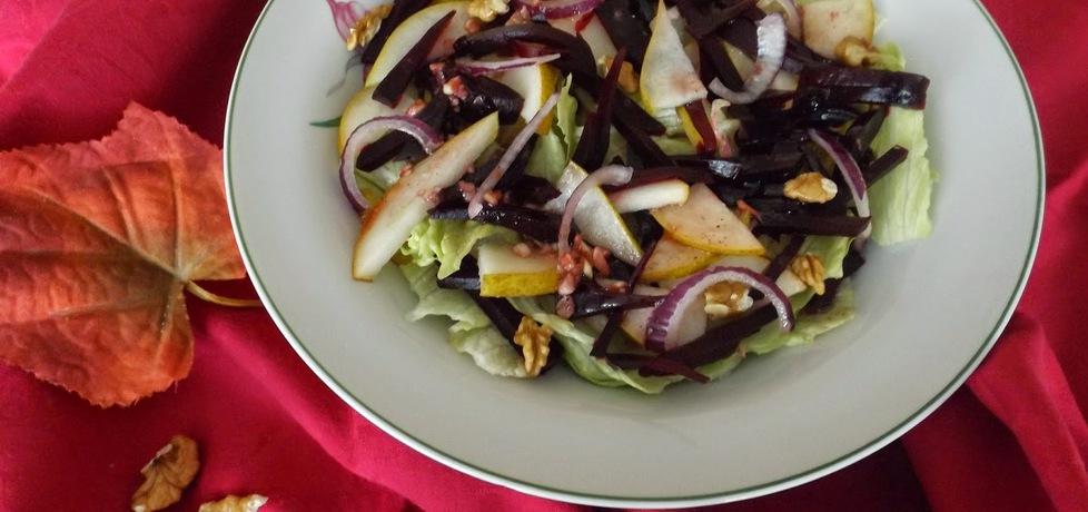 Jesienna sałatka z gruszką (autor: mikix4)