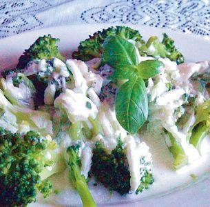 Brokuły z sosem
