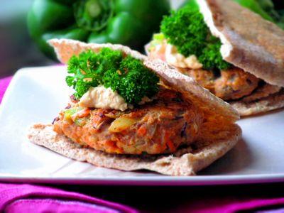 Burgery z indyka i warzyw