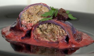Rubinowe gołąbki z wątróbką drobiową na sosie śliwkowym ...