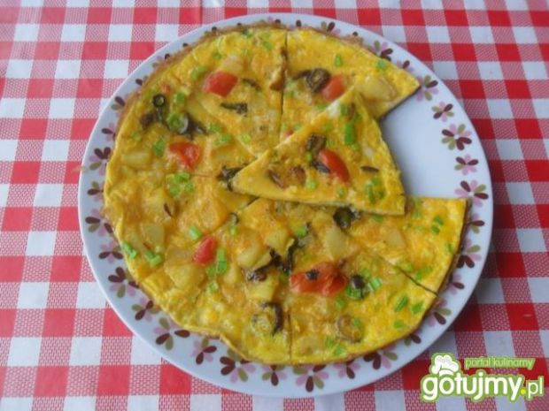 Przepis  omlet z ziemniakami, cebulą i papryką przepis
