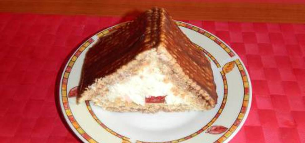 Ciasto chatka z białym serem i herbatnikami bez pieczenia. (autor ...