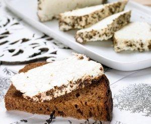 Biały ser ziołowy  prosty przepis i składniki