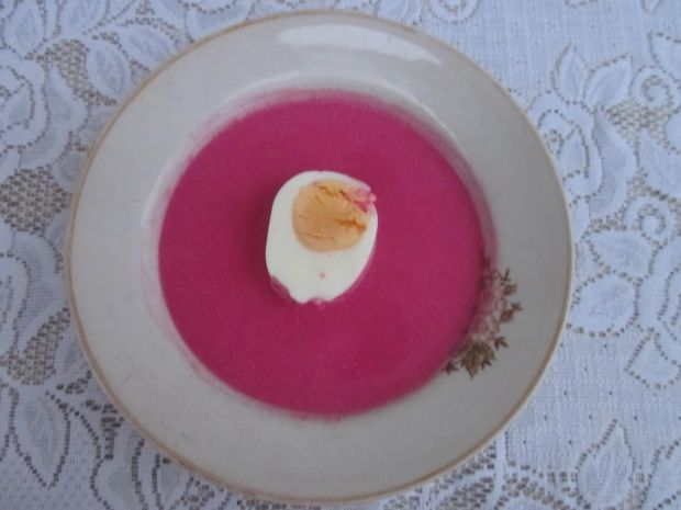 Przepis  barszcz czerwony z jajkiem przepis